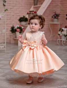 Flower girl dress - Little Lady - online store Alexandrina Baby Girl Party Dresses, Birthday Girl Dress, Birthday Dresses, Little Girl Dresses, Flower Girl Dresses, Gowns For Girls, Girls Dresses, Pageant Dresses, Baby Frocks Designs