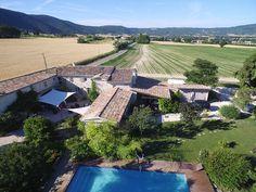 Grand Gite rural, groupe pour 12 à 16 personnes en Drôme provençale, piscine chauffée. Grand Gite, Gite Rural, Golf Courses, Gardens, Group