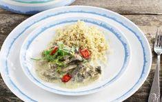 Polędwiczki w sosie z pieczarkami Grains, Rice, Meat, Chicken, Food, Essen, Meals, Seeds, Yemek