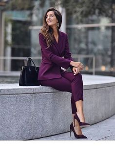 30 Trendy Work Attire & Office Outfits For Business Women Classy Workwear for Professional Look - Lifestyle Spunk Mode Outfits, Office Outfits, Chic Outfits, Trendy Outfits, Fashion Outfits, Casual Office, Office Attire, Office Wear, Gym Outfits