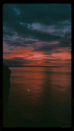 Night Aesthetic, City Aesthetic, Aesthetic Movies, Aesthetic Collage, Aesthetic Videos, Slow Motion Photography, Aesthetic Photography Nature, Dark Photography, Beautiful Soul Quotes