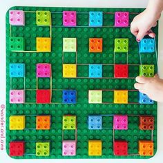 Fun lego activity: a great idea for fine motor skills Fine Motor Activities For Kids, Lego Activities, Motor Skills Activities, Gross Motor Skills, Preschool Activities, Preschool Learning, Teaching, Nursery Activities, Lego Duplo