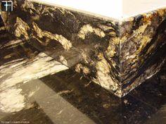 łączenie poszczególnych elementów granitowych w granitowe blatach do kuchni Blat do kuchni granitowy - realizacja Kraków #kitchen #design #kuchnia #granite #marble