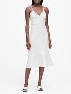Linen-Cotton Midi Dress | Banana Republic Celebrity Airport Style, Occasion Dresses Uk, White Embroidered Dress, Sophisticated Dress, Royal Dresses, Mi Long, Nordstrom Dresses, Flare Skirt, Pretty Dresses