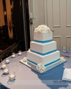 Blue Moon Bakery.  Raleigh wedding photography.  Blue & white wedding cake.