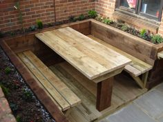 garden seating The Urban Landscape Company - Award Winning Landscape Gardener - Garden design and construction - traditional to contemporary. Pallet Furniture, Garden Furniture, Furniture Design, Furniture Ideas, Handmade Furniture, Bedroom Furniture, Landscaping Company, Backyard Landscaping, Banquette Palette
