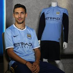 ~ Jesus Navas has officially signed for Manchester City ~ Manchester City, Blue Moon Rising, World Of Sports, Soccer Players, Best Games, Premier League, My Boys, Football, Mens Tops