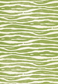 Celery Kemble wallcovering by Schumacher, Ripple in Grass
