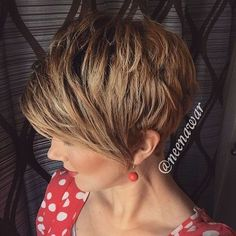 short+light+golden+brown+hair+with+darkened+roots