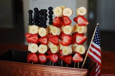 Patriotic Fruit Kabobs #Patriotic #July4th #FlagDay #MemorialDay #Red #White #Blue