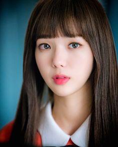Chae Soo-Bin looks like a doll,  not a robot!