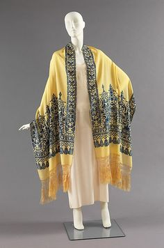 Evening stole Date: ca. 1925 Culture: French Medium: silk Dimensions: width: 26 1/2 in. (67.3 cm) Credit Line: Brooklyn Museum Costume Collection at The Metropolitan Museum of Art, Gift of the Brooklyn Museum, 2009; Gift of Mary W. Bangs, 1965