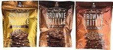 Copycat Brownie Brittle Recipe that's made from a box mix for a quick and easy treat! Cookie Desserts, Cookie Bars, Just Desserts, Cookie Recipes, Brownie Brittle Recipe, Brittle Recipes, Something Sweet, Restaurant Recipes, Desert Recipes
