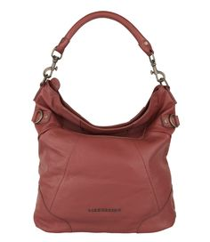 De Fenja tas van Liebeskind is een elegante damestas. De tas is uitgevoerd in hoogwaardig leer en afgewerkt met bronskleurige ritsen (€199,90)