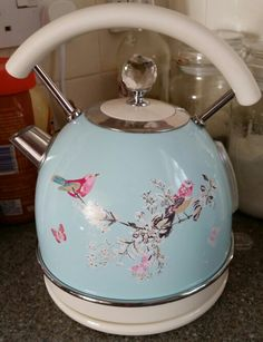 Very cute electric kettle not from Cath Kidston but similar in style.