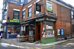 The Lifeboat pub in Margate is a great pub. Good ciders, ales, pies and plates of cheese. Just on the same little square is a little shop of illustration goodies.