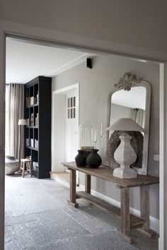 House of Peter and Marjanne www. Gray Interior, Home Interior, Interior Styling, Interior Design, Chez Lounge, Piece A Vivre, Home And Deco, Home Living Room, Home Decor Accessories
