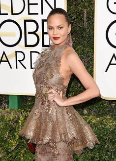 Chrissy Teigen in Marchesa at 2017 Golden Globe Awards in Beverly Hills Check more at https://fashnberry.com/2017/01/chrissy-teigen-in-marchesa-at-2017-golden-globe-awards-in-beverly-hills/