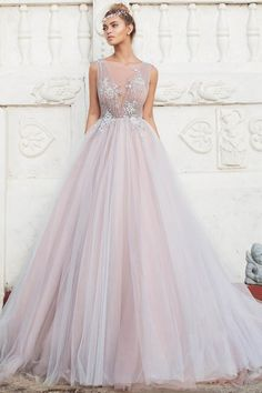 Kleider Alluring Tulle Bateau Neckline Ball Gown Wedding Dresses With Lace Appliques Is Paneling Wal Western Wedding Dresses, Top Wedding Dresses, Classic Wedding Dress, Wedding Dress Trends, Princess Wedding Dresses, Bridal Dresses, Wedding Gowns, Tulle Wedding, Best Gowns