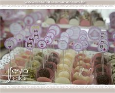 toppers e forminhas personalizadaswww.festafeitacomamor.com.br  Paper goodies  Festa Feita! Papelaria personalizada para festas! Com Amor para você! Princess Party, Twins, Goodies, Prince Party, Personalized Stationery, Fiestas, Amor, Princesses, Sweet Like Candy