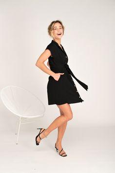 Vestido Moufette noir de Rue Mazarine también disponible en estampado negro y verde en leonceshop.com y tiendas Leonce. Rue Mazarine, Dresses For Work, Black, Fashion, Vestidos, Green, Minimal Dress, Tents, Hair Bows