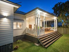 In some cases, old cottage houses were combined into one…Read more › Front Deck, Back Patio, Old Cottage, Cottage Homes, I Lak, Queenslander, Home Reno, Custom Homes, Interior And Exterior