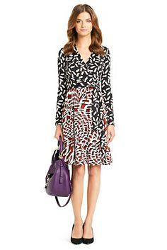 Wrap Dress, perfecto para llevar algo d estampado en un diseño clásico y muy sofisticado...