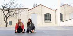 Abbiamo parlato con Stefania ed Eleonora due giovani architetti che si sono laureate al Politecnico di Milano. La stessa passione e una forte amicizia le ha condotte ad intraprendere un percorso professionale comune e a condivididere un progetto web a qua