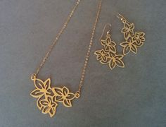 Gold Flower Necklace, Flower Necklace & Flower Earrings, Gold Pendant Necklace, Flower Jewellery, Wedding Jewelry, Everyday Necklace, By Hil