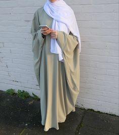 Modest Wear, Modest Dresses, Modest Outfits, Abaya Fashion, Kimono Fashion, Arabic Dress, Abaya Designs, Hijab Fashion Inspiration, Pretty Girl Swag