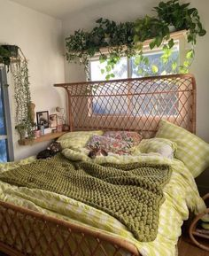 Room Ideas Bedroom, Bedroom Decor, Bedroom Inspo, Bedroom Bed, Bed Room, Indie Room, Indie Living Room, Aesthetic Room Decor, Plant Aesthetic