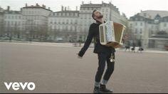 """Découvrez le 1er single de Claudio Capéo """"Un homme debout"""" Réalisé par Hobo & Mojo Disponible ici : http://apple.co/1QGlGMU Restez connectés avec Claudio: Fa..."""