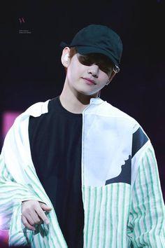 BTS V - Kim Taehyung
