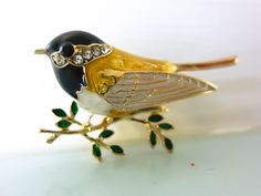 Bird brooch, bird pin, christmas gift for her, bird lover gift, by on Etsy Dog Pin, Christmas Gifts For Her, Dog Lover Gifts, Uk Shop, Cottage Chic, Vintage Brooches, Etsy Store, Bird