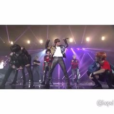 革パンでこの腰つきとかありがとうございます #BTS #방탄소년단