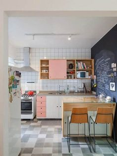 Kitchen Remodel Ideas - Browse our kitchen renovation gallery with traditional to modern to beachy kitchen design inspiration. Kitchen Wall Shelves, Wood Kitchen Cabinets, Kitchen Cabinet Colors, Kitchen Tiles, Kitchen Colors, Pink Cabinets, Teal Kitchen, Diy Kitchen Decor, Interior Design Kitchen