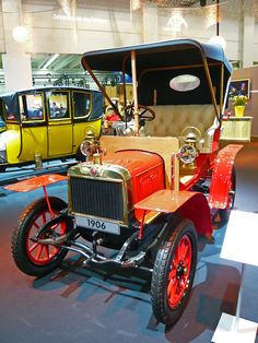 Laurin & Klement Voituretta A 1906 - My old classic car collection Vintage Cars, Antique Cars, Cool Old Cars, Veteran Car, Old School Cars, Old Classic Cars, New And Used Cars, Art Cars, Cars And Motorcycles
