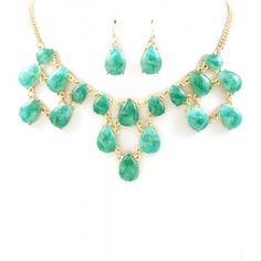 Emerald Semi-precious Lucite Teardrop Gemstone Cascade Statement Necklace @Statementbaubles @sensiblestylista