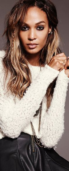 Love the hair in the Free People catalog. Only Fashion, Fashion Beauty, Knitwear Fashion, Sweater Fashion, Dresses With Leggings, Boho Outfits, Festival Fashion, Autumn Winter Fashion, Winter Style