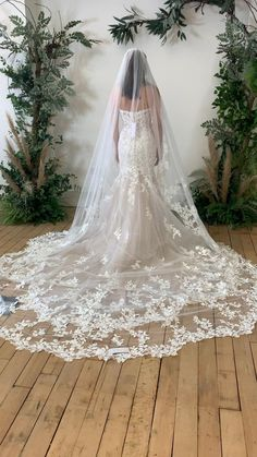 Stunning floral lace train with matching floral lace veil . Greek Wedding Dresses, Wedding Dress With Veil, Wedding Dress Train, Country Wedding Dresses, Lace Mermaid Wedding Dress, Wedding Dress Trends, Long Wedding Veils, Long Veils, Wedding Country