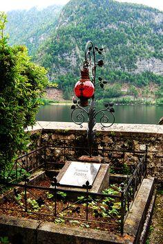 Hallstatt's graveyard, Austria... I just love graveyards they are so interesting.. kinda morbid I know.