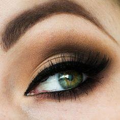Classic smoky eye. Use Candlelight, Smoked Topaz, and Onyx ShadowSense, then Black EyeSense for a crisp eye line.