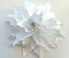 Kanzashi Fabric Flower  Brooch. White lily. by beautyandpretty