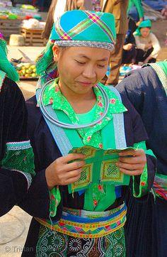 Vietnam ~ Green hmong tribe