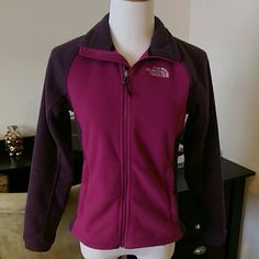 The North Face Fleece coat Excellent used condition. No holes. No stains. No rips. Outside pockets zip.   Deep inside pockets.  Raspberry/cranberry in color.  Fits like a small. Offers thru offer tab ONLY. No offers on listing. Bundles receive 15% off using bundle feature ONLY ❌No trades ❌No other sites ❌No pay pa (75) The North Face Jackets & Coats