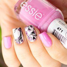 Spring Stamping Nails 2018 - Essie #urbanjungle + #chastity Lesly Stamping Plates 30 + 33 Blumen Nageldesign für den Frühling