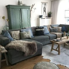 mintgroene bank | mint couch | vtwonen 13-2016 | photography:Tjitske ...