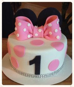 Minnie Mouse Cake!! SaSa Sweet Delights!!