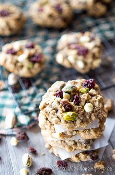 White Chocolate Pistachio Oatmeal Cookies by mariahspleasingplates #Cookies #White_Chocolate #Pistachio #Oattmeal