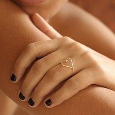 Sweetheart Ring by by boe. Not a promise ring, not an engagement ring. A sweetheart ring. Diy Jewelry, Jewelry Accessories, Jewelry Making, Jewelry Shop, Heart Jewelry, Simple Jewelry, Gold Jewelry, Heart Bracelet, Ring Bracelet
